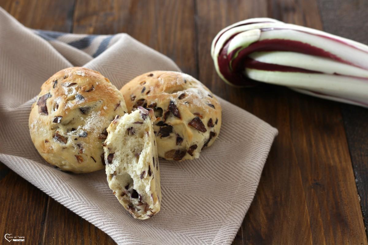 Pane fatto in casa veloce al radicchio di Treviso