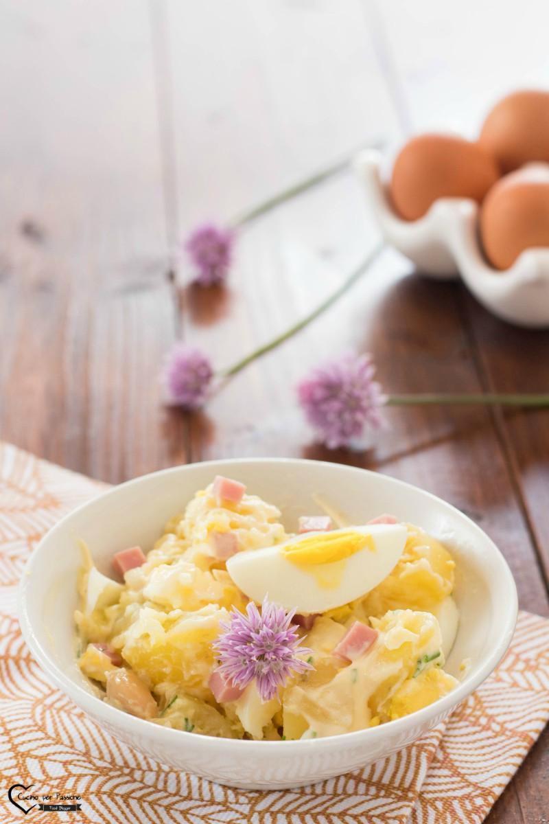 Insalata di patate uova e prosciutto