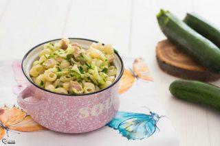Pasta fredda zucchine tonno