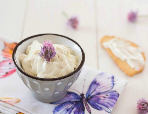 Salsa yogurt cremosissima e compatta