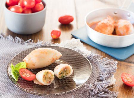 Calamari ripieni in padella con olive e capperi