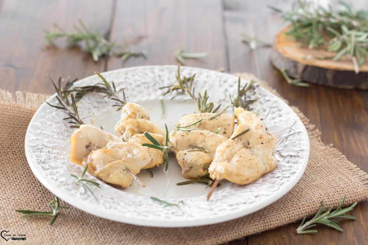 Petto di pollo in padella con rosmarino
