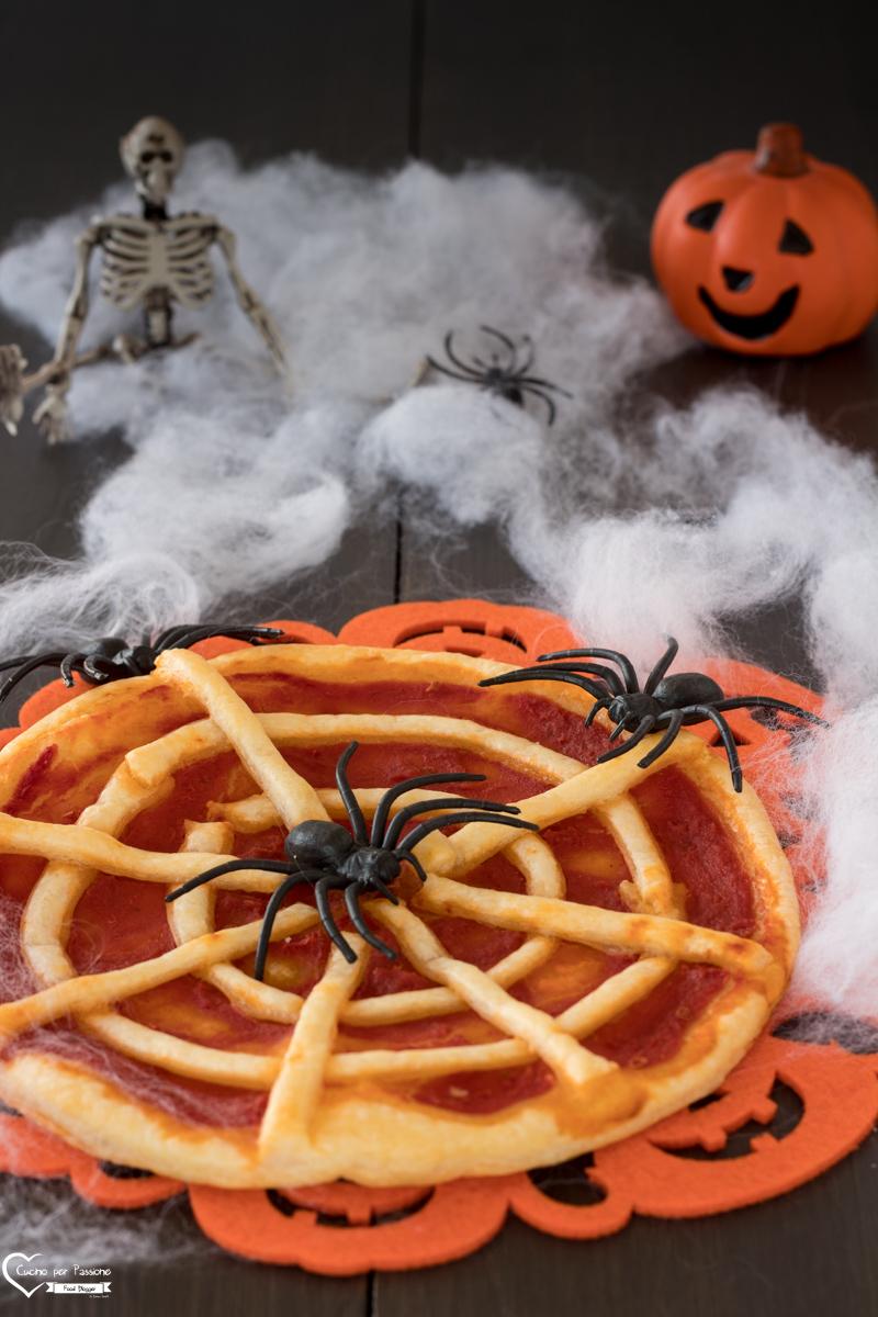 Torta salata Halloween ragnatela