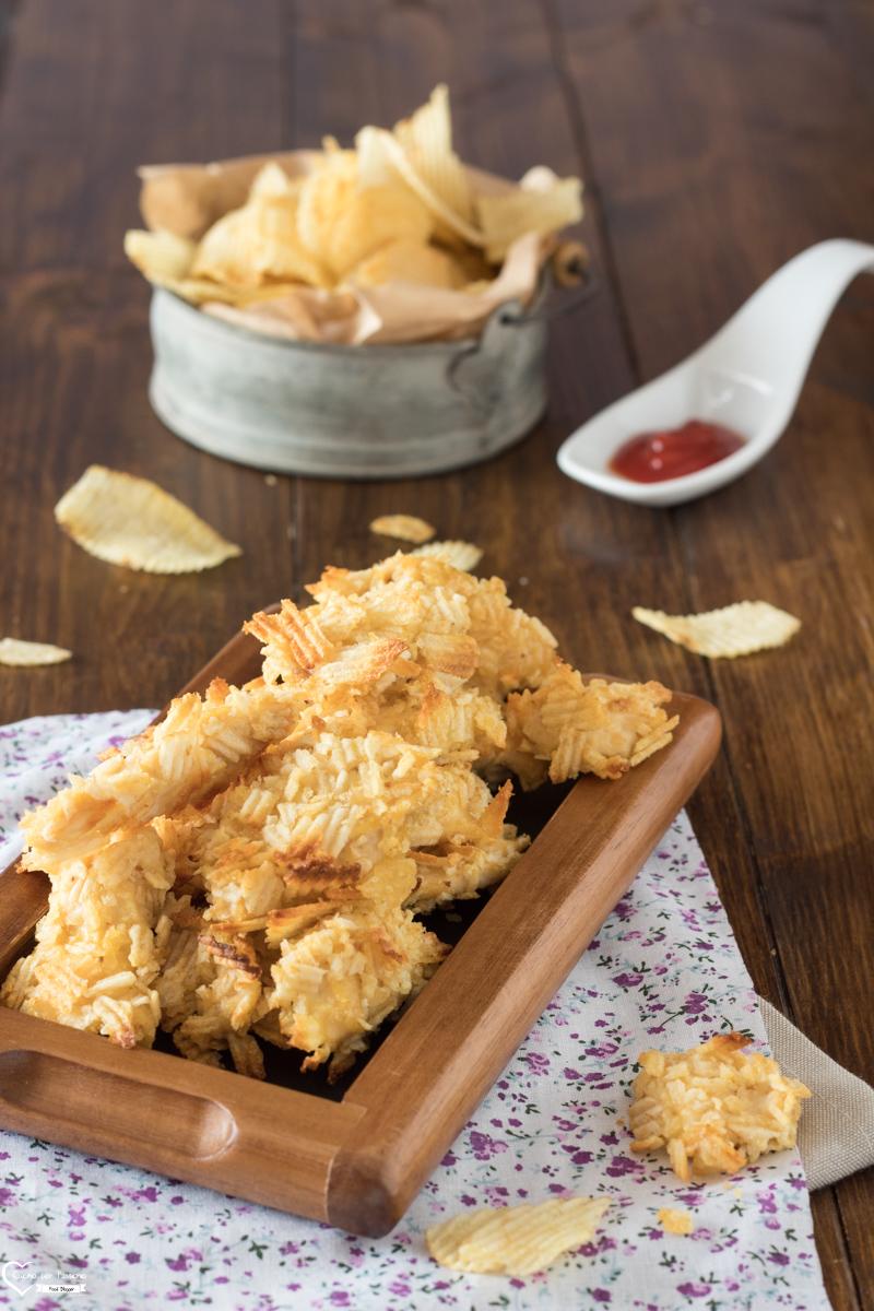 Bocconcini di pollo impanati con patatine