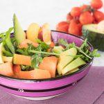 Insalata con frutta fresca