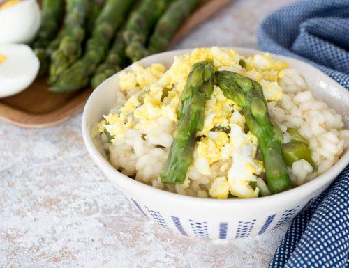 Risotto con asparagi verdi e mimosa d'uovo
