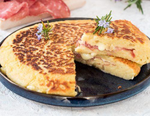 Torta di patate in padella con salame Bellafesta Light Clai