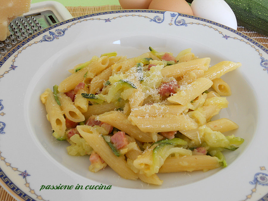 Carbonara zucchine e pancetta
