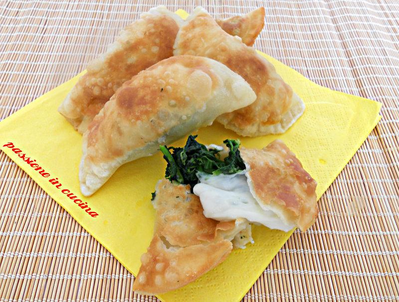 panzerotti con spinaci passioneincucina.giallozafferano.it