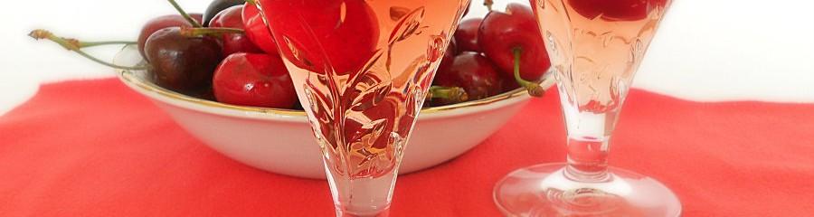 kirsch-liquore alle ciliegie passioneincucina.giallozafferano.it