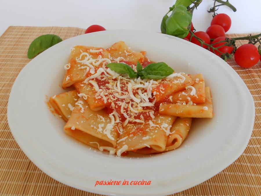 sugo di pomodoro fresco-ricetta primi piatti
