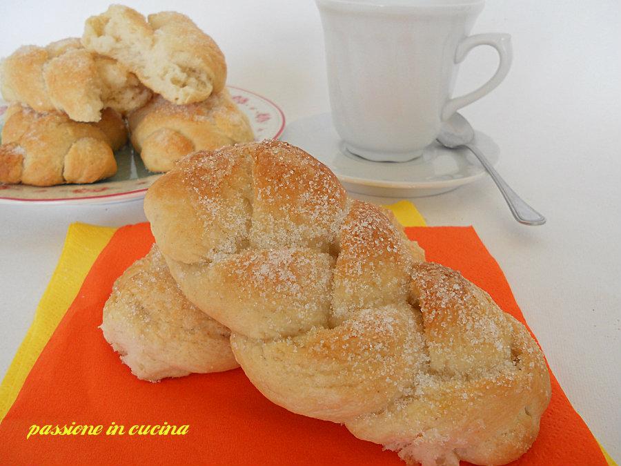 maritozzi baresi o trecce con lo zucchero blog.giallozafferano.it/cuinalory
