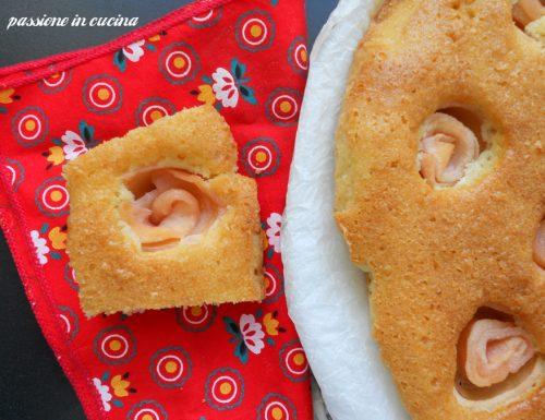 TORTA ALLE MANDORLE E ROSE DI MELE