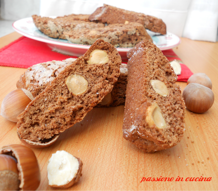 cantucci al cacao e nocciole, ricetta biscotti al cacao, biscotti con le nocciole