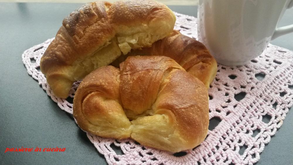 cornetti di Luca Montersino, cornetti sfogliati, ricetta cornetti, ricetta croissant