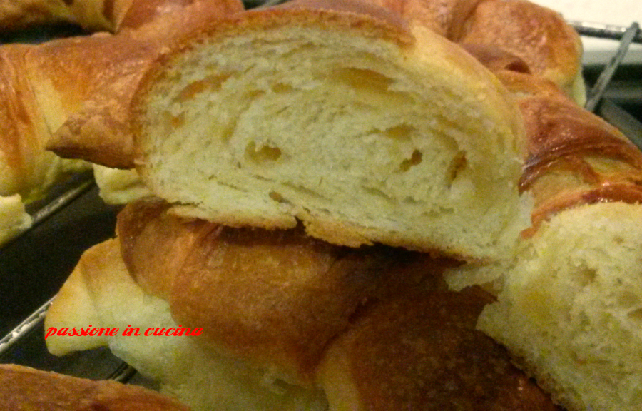 cornetti croissant, cornetti classici, cornetti sfogliati, cornetti come quelli del bar, cornetti di luca montersino