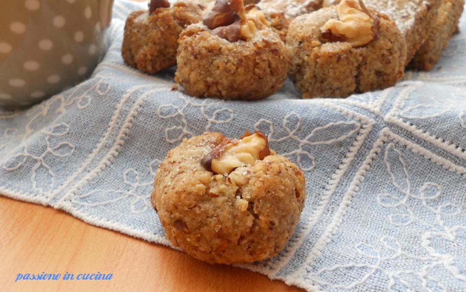 dolcetti alle noci, Maratea, dolci tipici di Maratea, biscotti alle noci