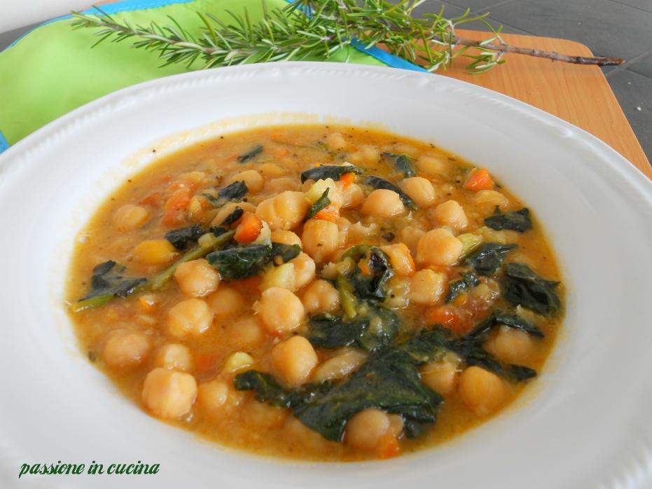 zuppa di ceci, zuppa di ceci e cavolo nero, ricette con il cavolo nero, ricette con i ceci, come cucinare il cavolo nero