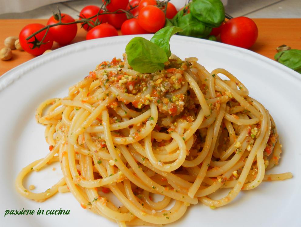 pesto eoliano, pesto siciliano, pesto, ricetta pesto, passioneincucina.giallozafferano.it