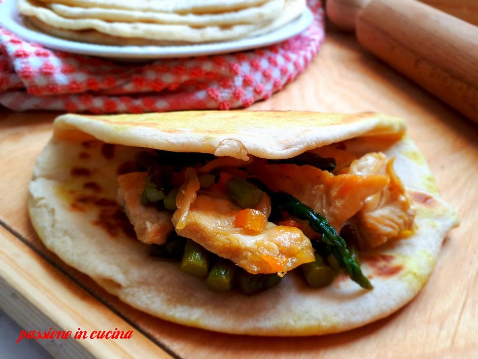 pane naan, pane indiano, ricette con lo yogurt, finger food salati