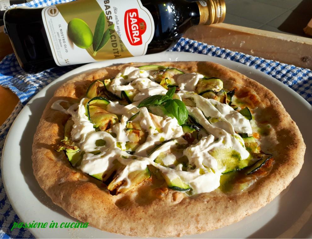 pizza con zucchine, olio sagra