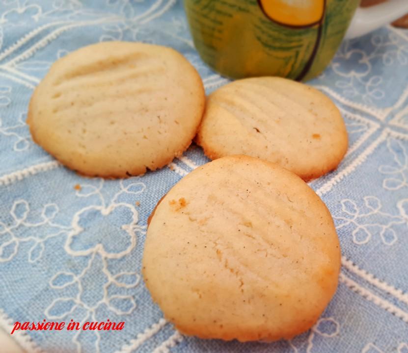 biscotti viennesi, biscotti danesi, biscotti che si sciolgono in bocca, dolci con albumi, come utilizzare gli albumi, albumi