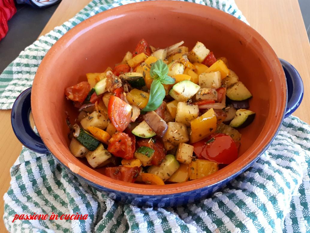 ratatouille, contorno di verdure, ricette con le melanzane, ricette con i peperoni, ricette con le zucchine, ricette estive