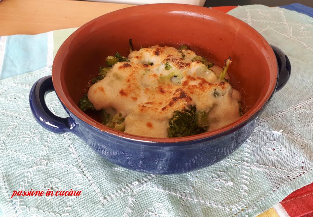 broccoli al forno con besciamella, broccoli al forno, ricette con i broccoli, ricette vegetariane, ricette con verdure