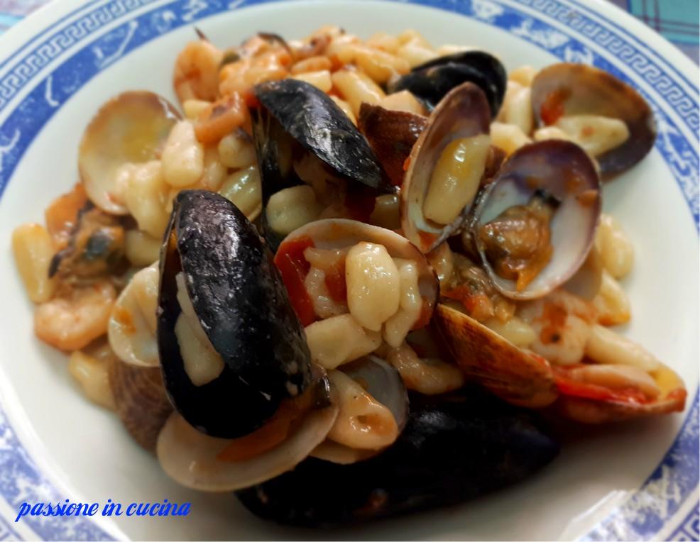 cavatelli ai frutti di mare, primi piatti natalizi, menù natalizio, ricette primi piatti di pesce, ricetta cavatelli
