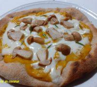 pizza con crema di zucca, pizza con porcini, pizza fatta in casa, pizza con lievito madre