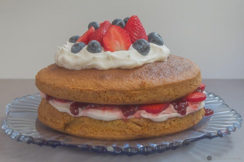 "Alt=""Torta della Regina Vittoria (victoria sponge cake)"""