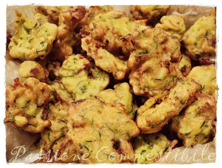 frittelle-di-zucchine-e-asiago (1)