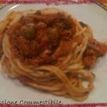 Spaghetti con sugo di tonno