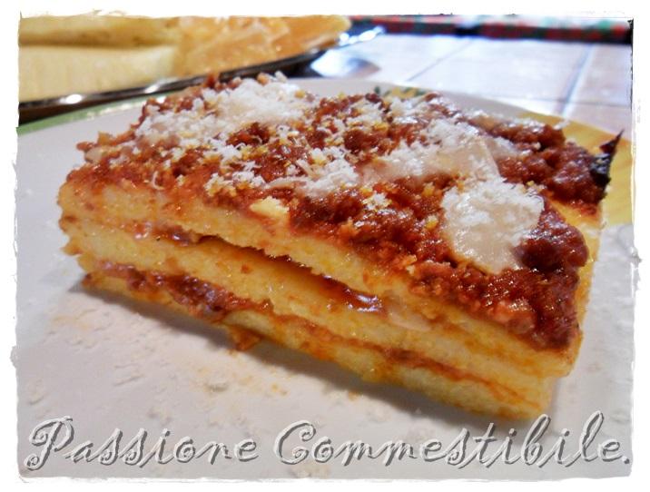 fetta di lasagne di polenta