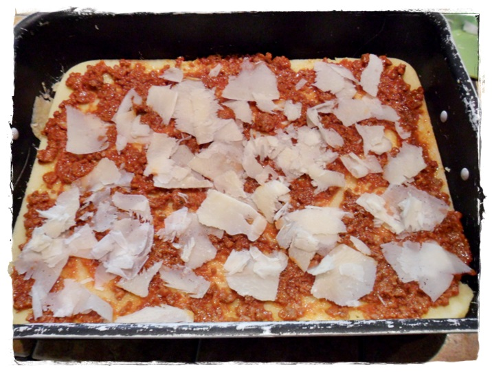 primo strato di lasagne di polenta