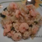 riso integrale con verdure e gamberetti