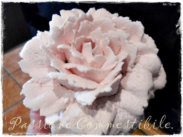 rosa di crema allo yogurt1