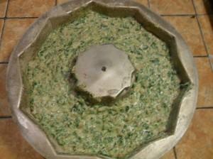 composto di spinaci nello stampo