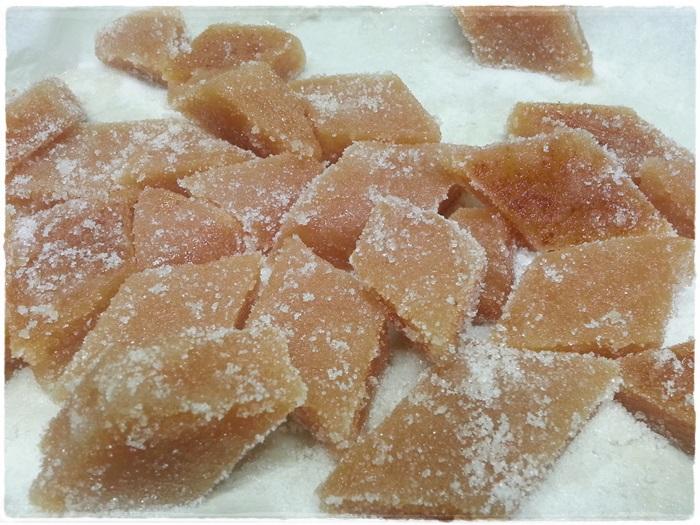 cotognata a pezzi in caramelle