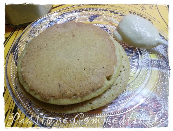 pancake di farro con crema di mandorle