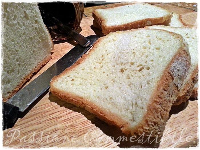 Pane bianco senza glutine con la MdP