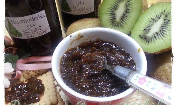 Marmellata bruna di kiwi