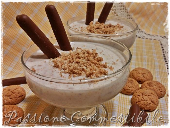 Semifreddo allo yogurt e amaretti