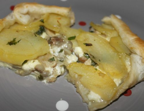 Torta salata con patate e funghi