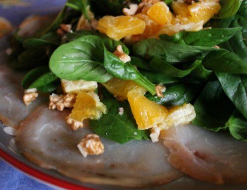 Pesce spada affumicato con spinacini e arancia