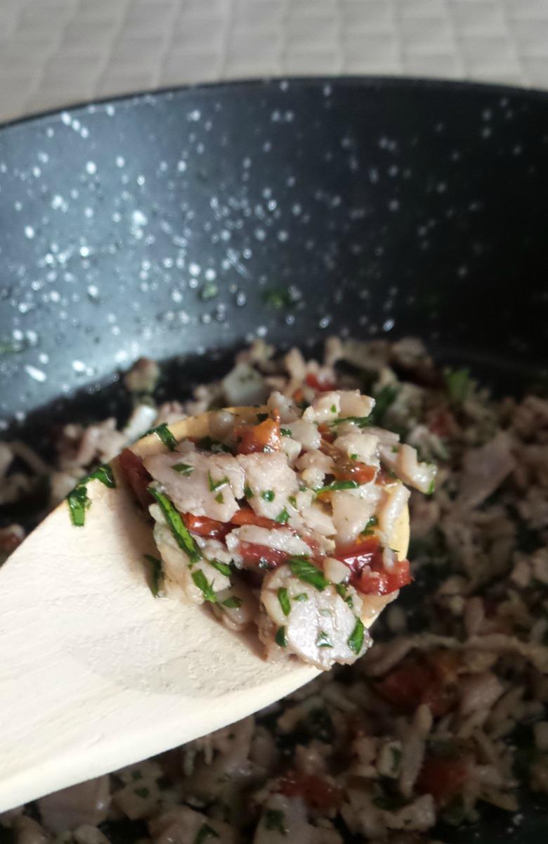 Sugo di tonno affumicato e pomodori secchi