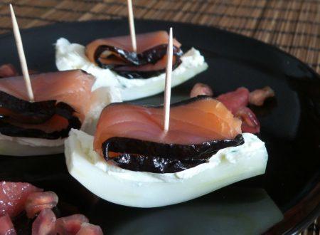 Barchette di finocchio e salmone con alga nori