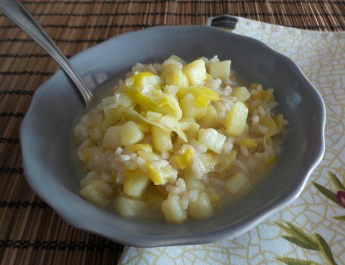 Zuppa di riso integrale, porri e patate