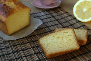 Plumcake allo yogurt greco al limone