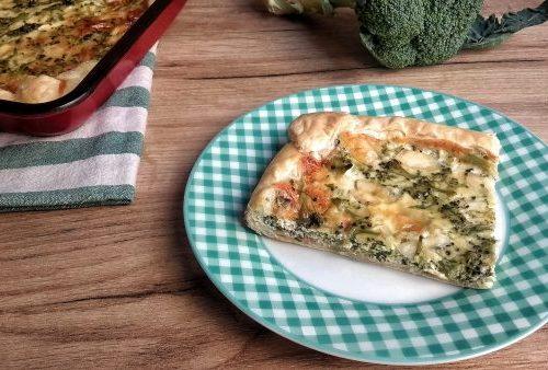 Torta salata panna e speck con broccoli
